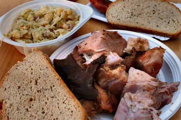 prague-food-oph-sausages-krauty-goodness