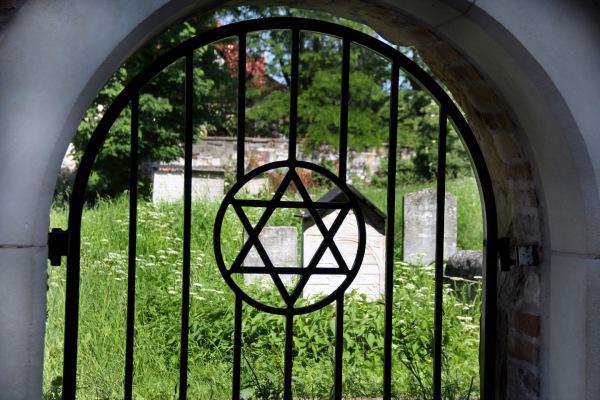 krakow-cemetery-dustinsmall22221.jpg